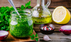 """К салатам и пасте: витаминный соус """"Зеленое масло"""""""
