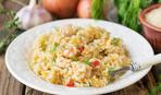 Быстрый рецепт: рис с курицей в сковороде