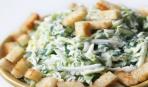 Блюдо дня: капустный салат с сухариками