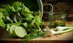 ТОП-3 легких салата для тонкой талии
