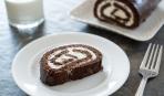 Десерт дня: кокосовый рулет без выпечки «Баунти»