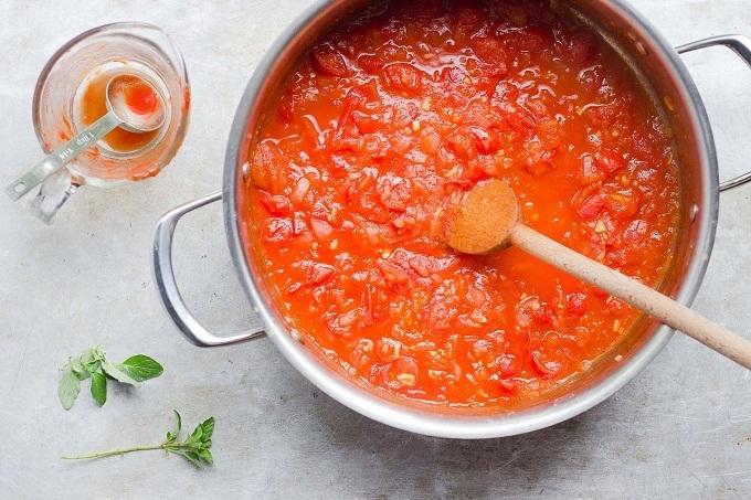 Как приготовить томатный соус: ТОП-3 национальных рецепта