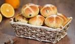 Как появились английские пасхальные булочки