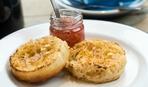Чисто английский завтрак: пышные оладьи крампет