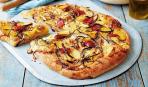 Пицца с картофелем и пряными травами