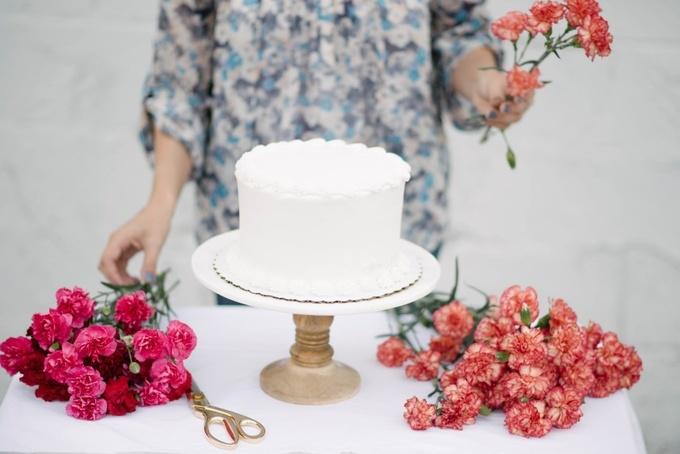 Изумительная нежность: украшаем выпечку живыми цветами