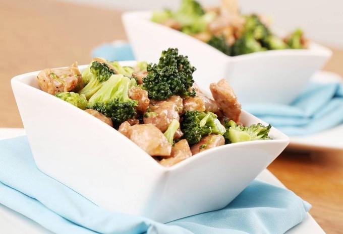 5 вкусных рецептов из брокколи для тех, кто худеет