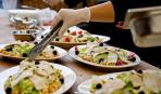 ТОП-10 мест, где еда становится поводом для праздника