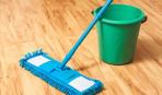 Как убрать черные полосы от обуви на полу