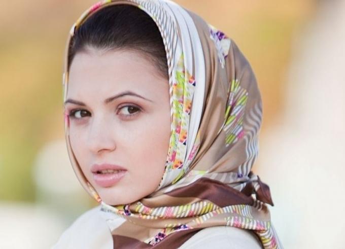 Как красиво завязать платок на голову зимой