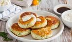 Блюдо за 20 минут: вкусные сырники с брынзой и беконом