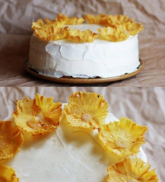 Золотая роскошь десертов: цветы из ананаса (видео)
