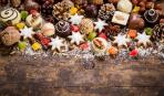 Новогодние радости: делаем елочки из сладостей