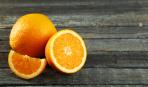 Кулинарная шпаргалка: как просто почистить апельсин (видео)
