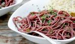 Спагетти в вине «Красный бархат»