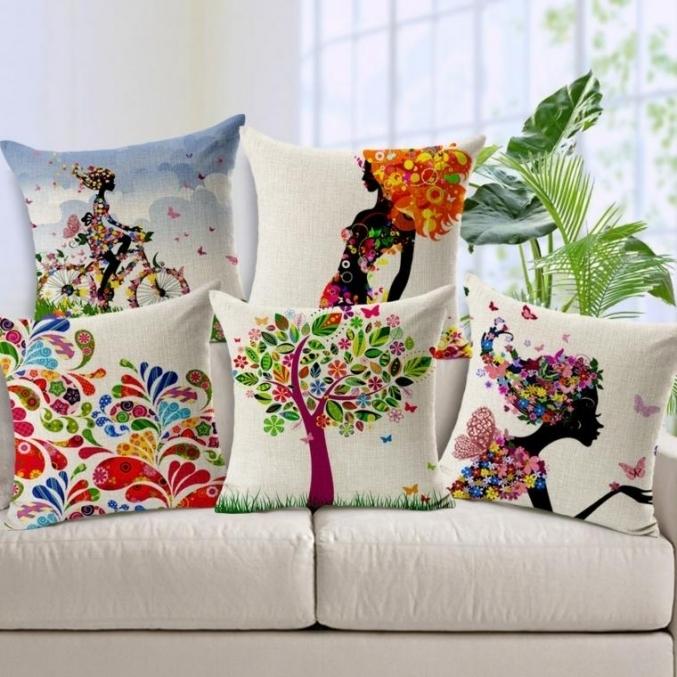 Декоративные подушки в интерьере: ТОП-5 лучших идей
