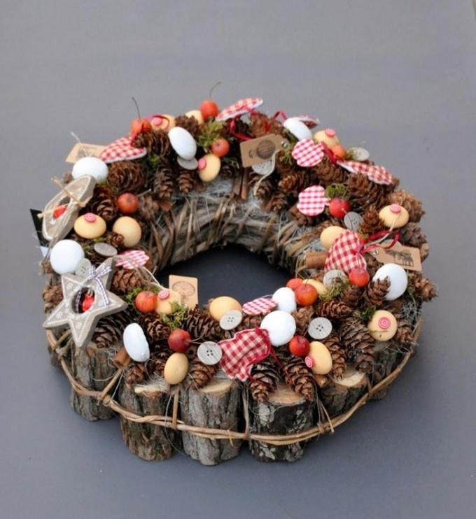 Готовимся к праздникам: ТОП-5 невероятных зимних веночков