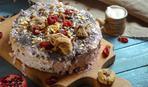 Клюквенный пирог с орехами и курагой