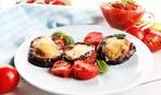 Блюдо дня: запеченные баклажанные «шайбы» под сыром