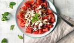 Когда еще, если не сейчас: салат с арбузом и брынзой «Август»