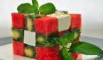 «Арбузные дольки» с фруктами
