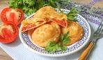 Вкуснее чебуреков: «Бомбочки» с помидорами и брынзой