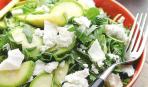 Салат из овощей и брынзы