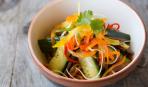 Укрепит иммунитет: острый салат из моркови, имбиря и огурцов