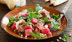 Салат из арбуза и прошутто