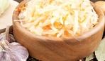 На скорую руку: салат на зиму из соленых огурцов и капусты
