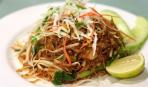 Вкусный обед по-корейски: фунчоза с омлетом