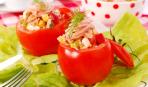 Салат в помидорах «Красное море»