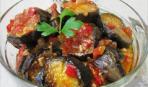 Острые баклажаны в томатном соусе