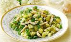 Картофельный салат с сельдью и свежим огурцом - 5 минут и готов!