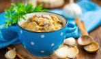 Один з кращих способів приготування печінки - в сметані з овочами