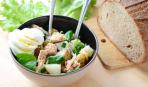 Салат из молодого картофеля и рыбы