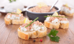 Быстрая закуска с консервированным тунцом