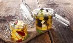 Маленькая слабость: маринованный сыр с овощами