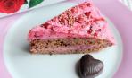 Бисквитный торт с ягодным кремом