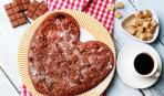 Шоколадный пирог в виде сердца