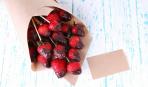 День святого Валентина: как сделать букет из клубники