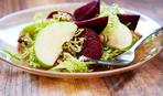 Модный салат из свеклы и яблок: пошаговый рецепт