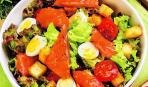 Картофельный салат с помидорами и рыбой: пошаговый рецепт