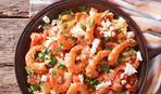 Как приготовит креветки: с чесноком и фетой