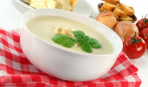 Элементарный сырный суп с беконом