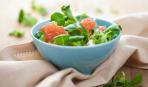 Постное меню: легкий салат из рукколы и грейпфрута