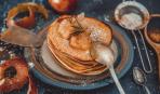 Творожные оладьи с яблоками