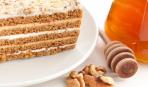 Что приготовить на десерт: медовик со сметанным кремом