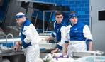 Не справился с раздачей и поехал домой: мужская команда «Адской кухни» лишилась повара