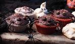 Как украсить кексы: маленькие паучки